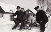Kovács család 1953 telén a Strázsa-hegyen