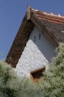 Monori Pincefalu, őszi napsütésben a hegyen