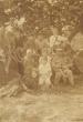 Szüret a Strázsán 1918-ban. Petrik mama és a Magócsi papa a gyerekekkel.